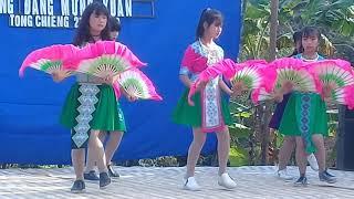 Nkauj Hmoob Co Hát ♡Xyoo Tshiab 2019 Ngob Tong Chiêng Kev Lom Zem Tsiab 30 ♡