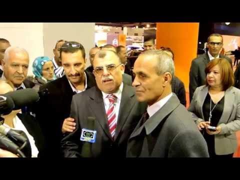 Le Directeur du Commerce de la Wilaya d'Oran au stand de Renault Algérie (Symbol algérienne)
