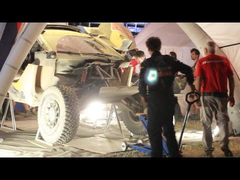 Петрансель разбил машину на Шелковом пути 2016 | Peterhansel crashed the car on Silk Road 2016