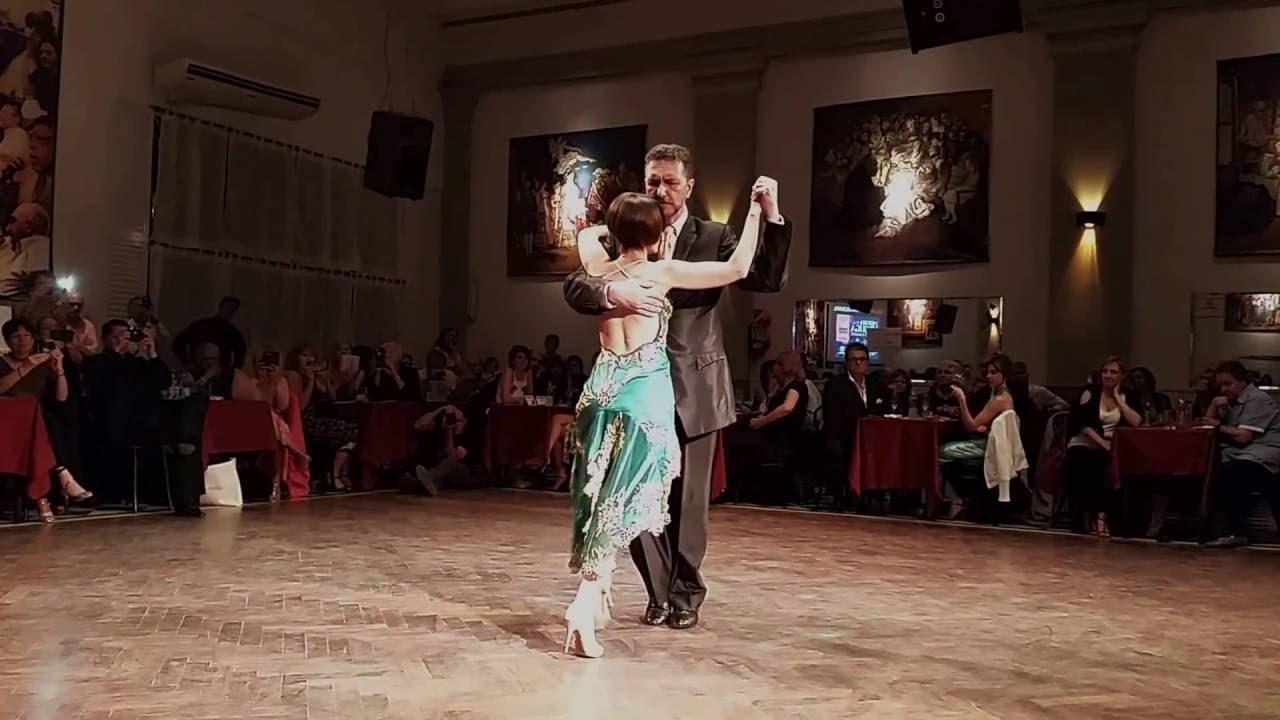 Gustavo mar a tango en milonga parakultural sal n for A puro tango salon canning