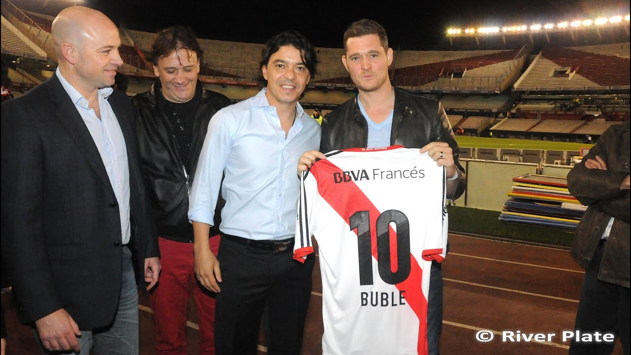 Michael Bubl Y Daro Lopilato En River YouTube
