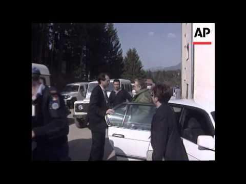 Bosnia - Bosnians Release Bosnian-Serb Prisoners
