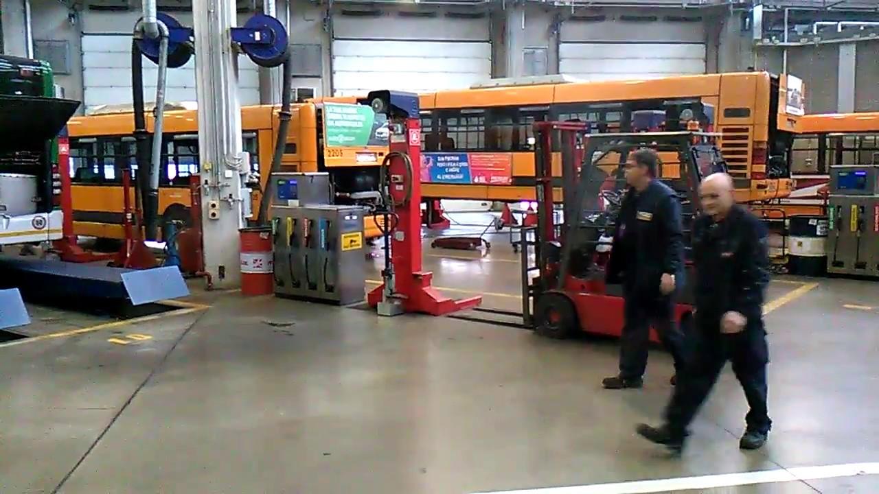 Porte aperte atm milano 17 12 2016 interno deposito bus for Interno autobus