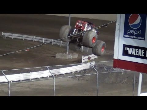 Monster Slam 17 freestyle @ Skagit Speedway 2017