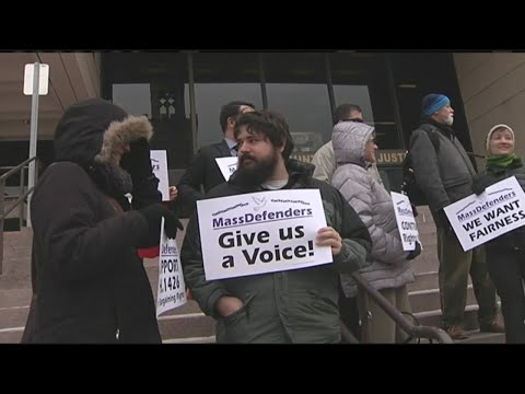 Public defenders demanding collective bargaining rights