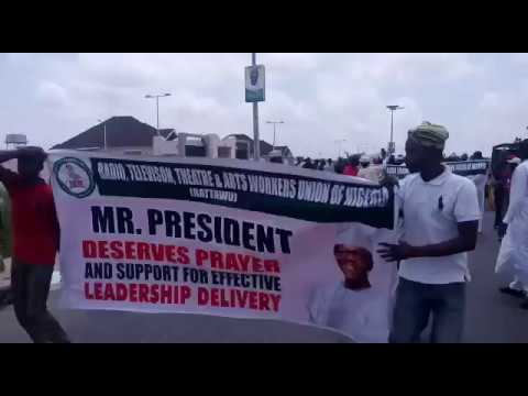 Governor Aminu Bello Masari and Katsina activists celebrate Buhari's return