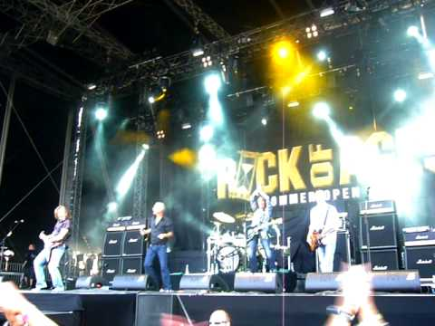 Thunder @ The Rock Of Ages Festival (Germany) 2009 - Dirty Love