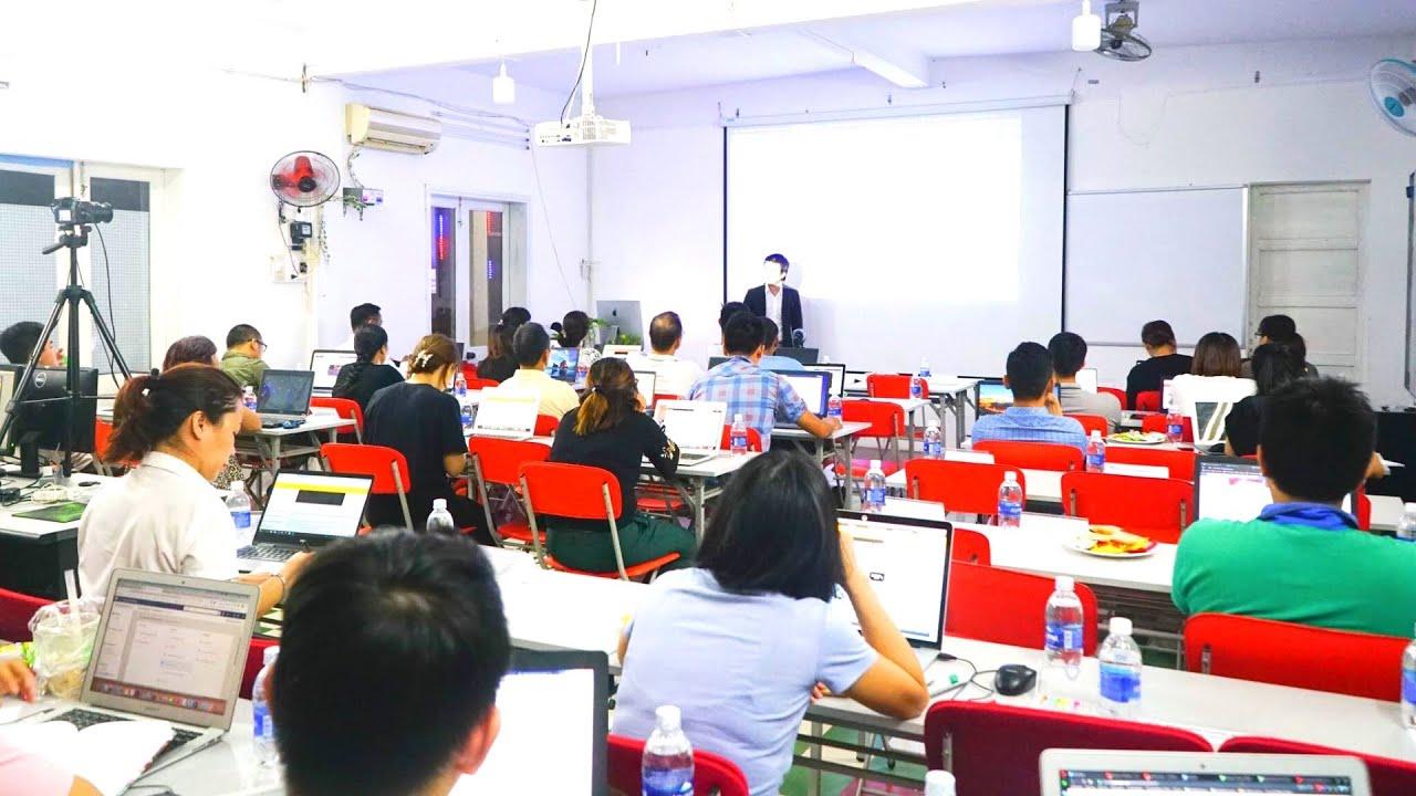 Bật mí 12 giá trị khoá học Marketing Online (16:9)