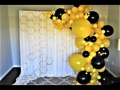 Bumble Bee Balloon Garland Backrop DIY | How To