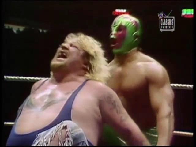 Mil Mascaras vs. Moondog King-MSG-4/6/81