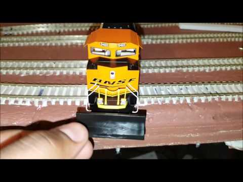 Unboxing && Review of Walthers MainLine EMD SD70ACe Locomotive BNSF #8469