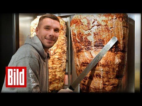Lukas Podolski eröffnet eigenen Döner-Laden in Köln / riesiger Fan-Andrang
