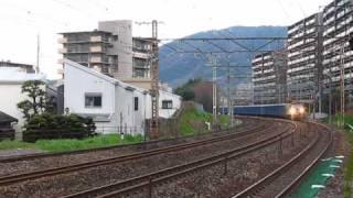 東海道線JR貨物のEF66牽引2軸貨車ワムは珍しくなってきた。