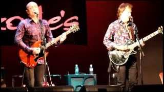 Dave & Brad from Hoodoo Gurus performing Miss Freelove