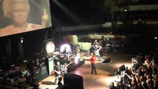 Morrissey - Intro + The Queen Is Dead live in Utrecht