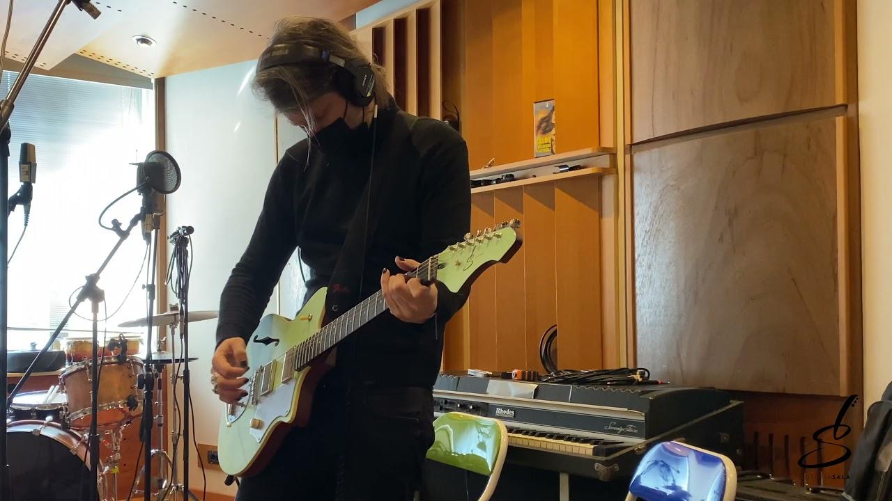 Rodrigo D'Erasmo utilizza le chitarre di Liuteria Sala per le sue produzioni