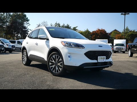 2020-ford-escape-titanium-review---start-up,-revs,-and-walk-around