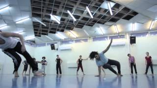 contemporary dance class with Daphna Horenczyk