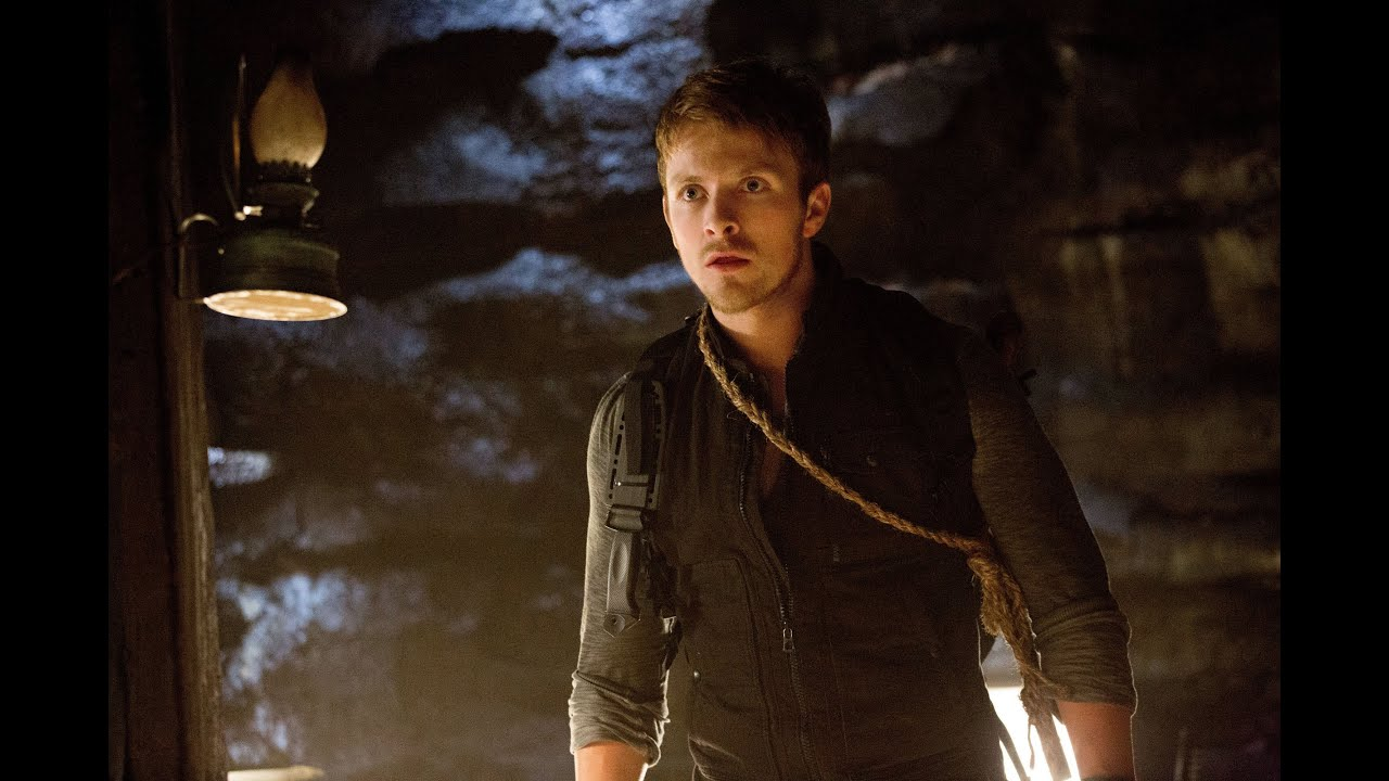 """vampire diaries star dating twilight star He is best known for his role as niklaus """"klaus"""" mikaelson in the cw show the vampire diaries  the couple were engaged in 2014 after dating  guest star."""
