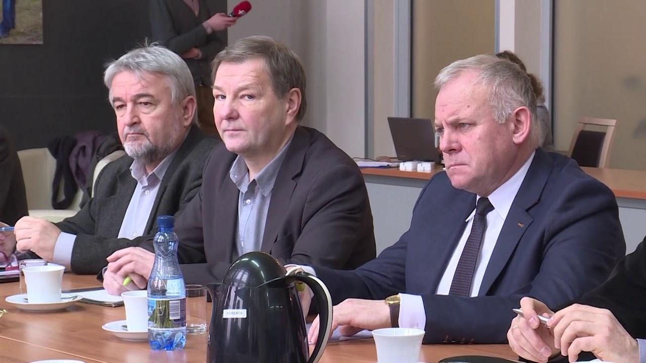 Debata nad... śmieciami - dronlubuski.pl