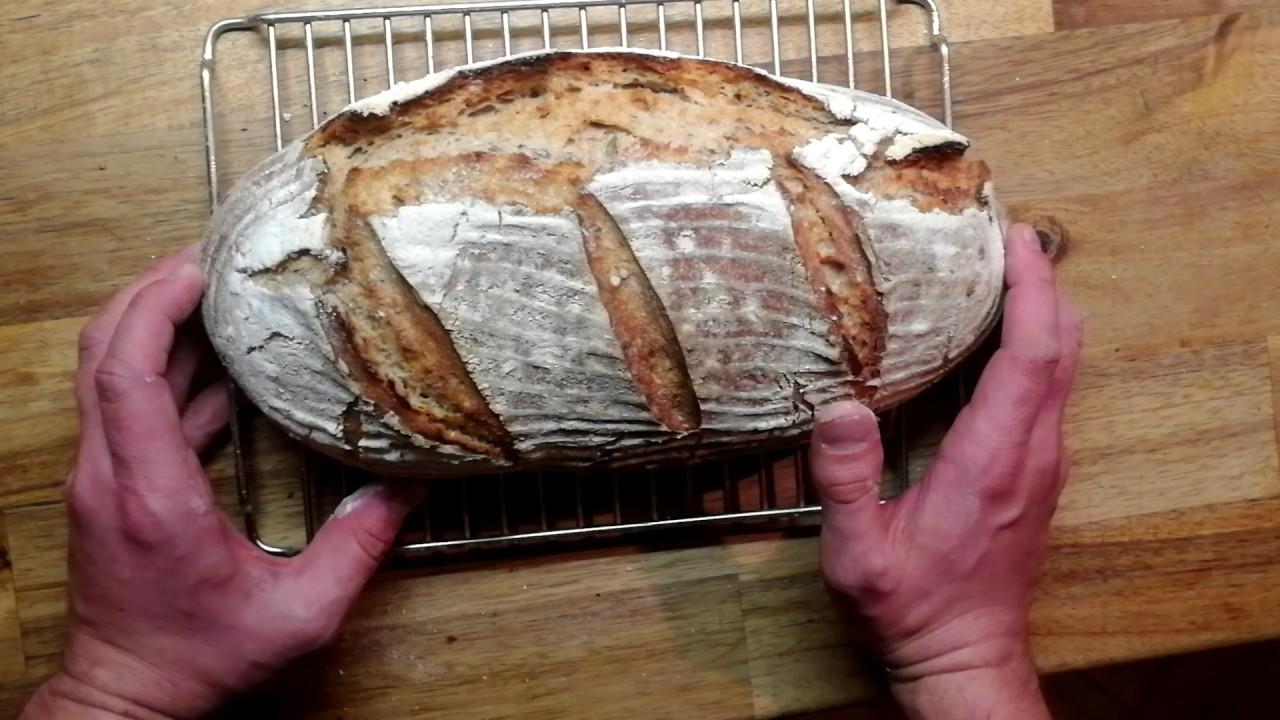 Download Kváskový pšenično-žitný chleba
