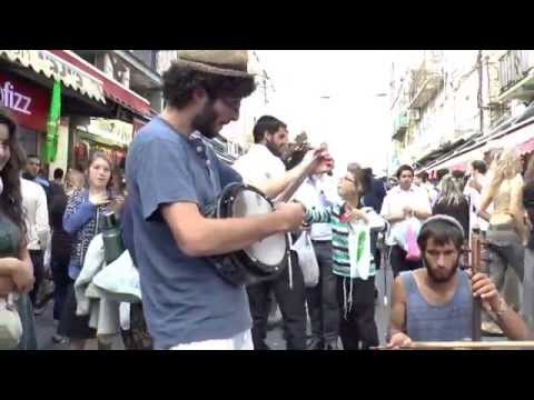 Sounds from the Jerusalem Market - Shuk  incredible music