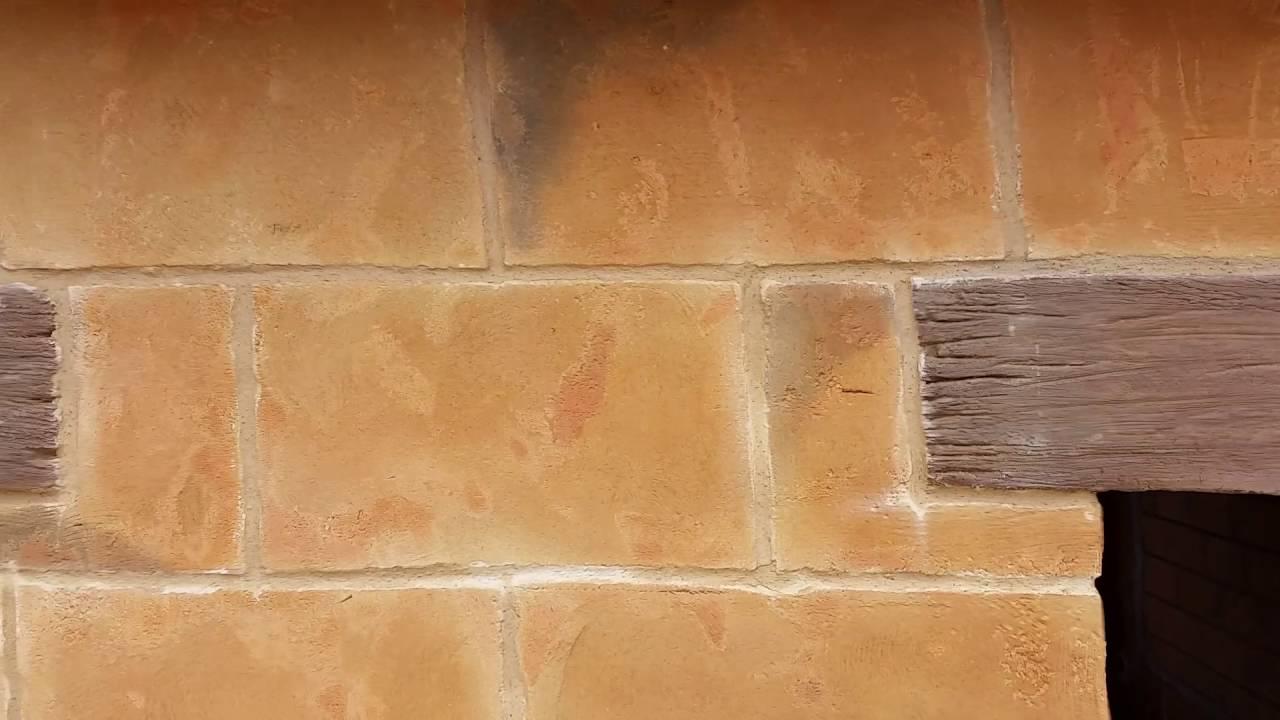 Tematizacion de fachada con imitaci n de piedras de for Piedra de silleria