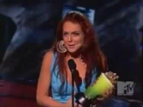 "Lindsay Lohan Wins ""Breakthrough Female Actress"" At 2004 MTV Movie Awards"