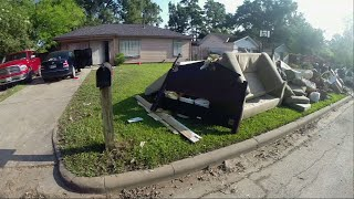 Houston homeowners return to mass devastation
