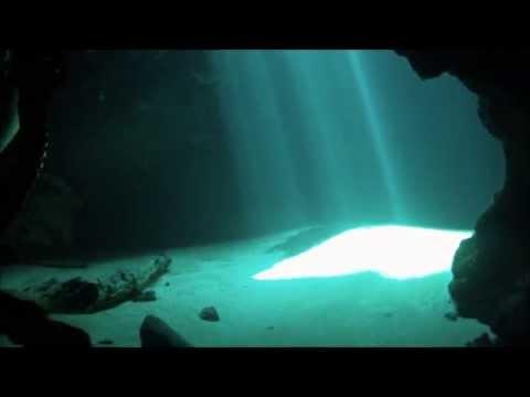 Freediving Blue Hole Spring