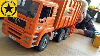 BRUDER Toys MAN - Müllabfuhr CRASH in Jack