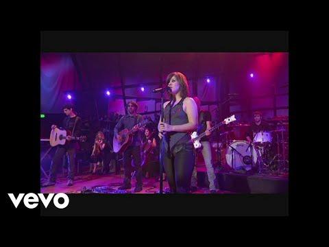Смотреть клип Kelly Clarkson - Sober