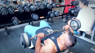 Julian Tanaka - Rutina de espalda y triceps