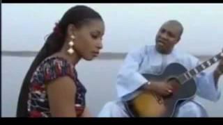 vuclip Amina Are kanuri song أمينة تعالي أغنية كانورية 1