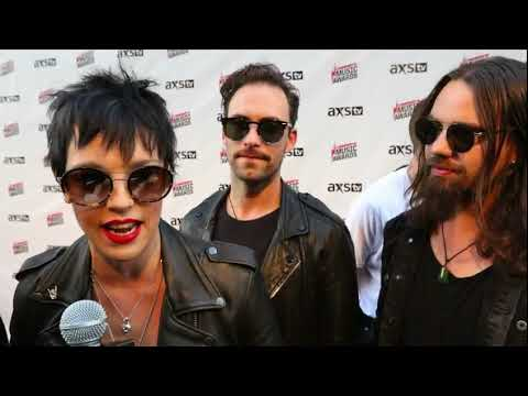 2017 Loudwire Music Awards: Lzzy Hale & Halestorm Interview