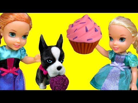 Thumbnail: Cupcakes, Gummy bears ! Afraid of ANTS & Dogs ! ELSA ANNA Toddlers playing