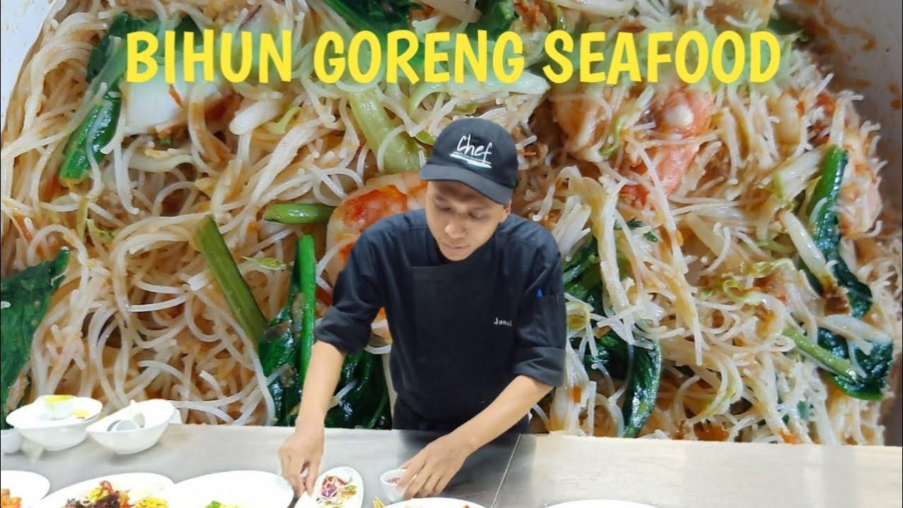 Cara & resep membuat BIHUN GORENG SEAFOOD ala singapura, pastinya Enak, mudah dan cepat!!! - YouTube
