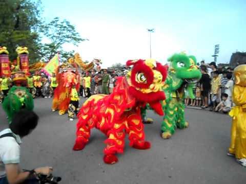 Lion Dance Viet Nam _ đoàn lân sư rồng Bạch Ngọc Đường ( 0909.309446 ) Festival Huế
