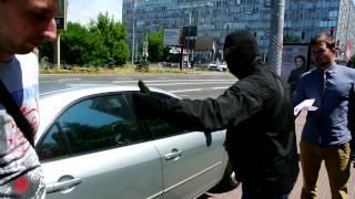 Сотрудники СБУ конвоировали людей из здания Апелляционного суда