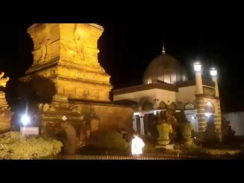 Merdunya Suara Adzan Di Masjid Menara Kudus