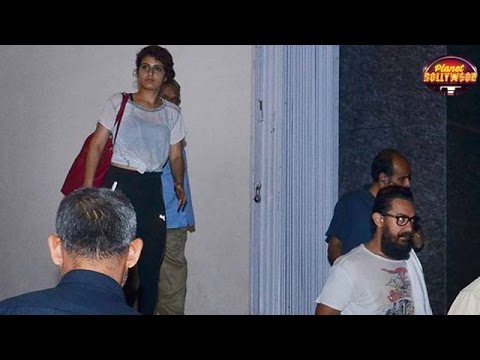 Thumbnail: Aamir Khan Tries Hard To Avoid Being Snapped With Fatima | Bollywood News