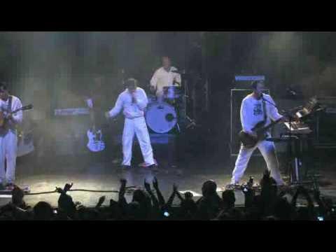 Weezer - Pork And Beans (Live MySpace Secret Show)