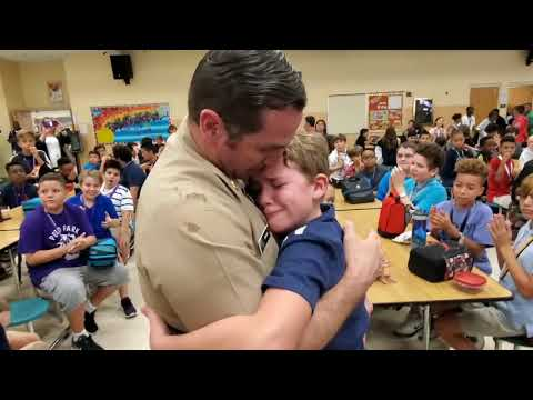 Military dad surprises children with emotional homecoming