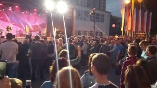 Танец на пл. Победы (12.06.2017 - День России Рязань)