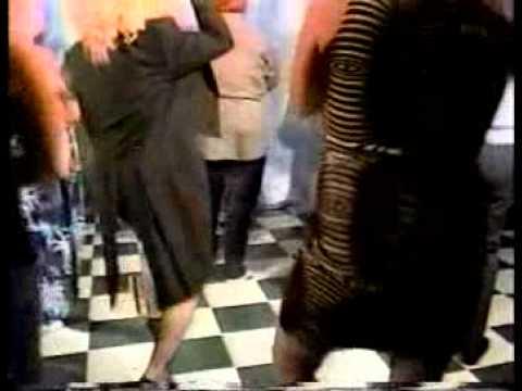 Queen of Karaoke - Electric Slide Karaoke TV - Glamore Productions