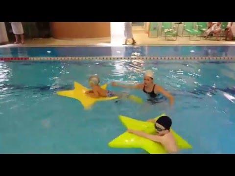 Соревнования по плаванию среди малышей 2-3 года