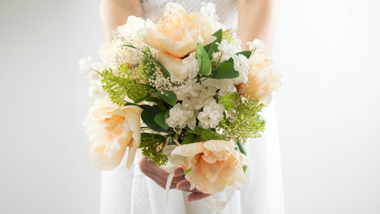Diy Easy Wedding Bouquet Simple And Beautiful Youtube
