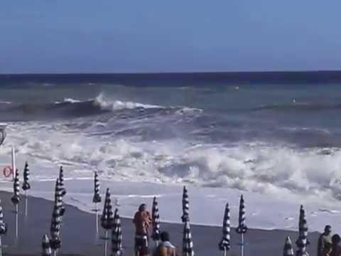 Mareggiata deiva marina 2011 bagni lido - YouTube