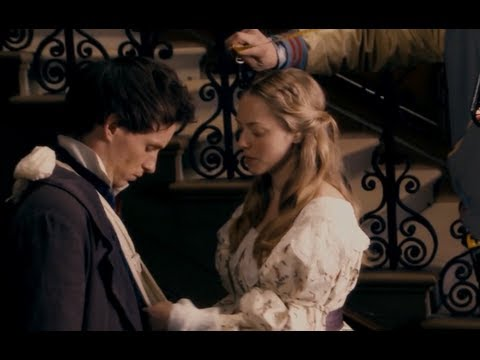 Les Miserables: Anne Hathaway and Amanda Seyfried Singing!