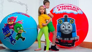 Katy and Max Toy Eggs Surpeise Challenge